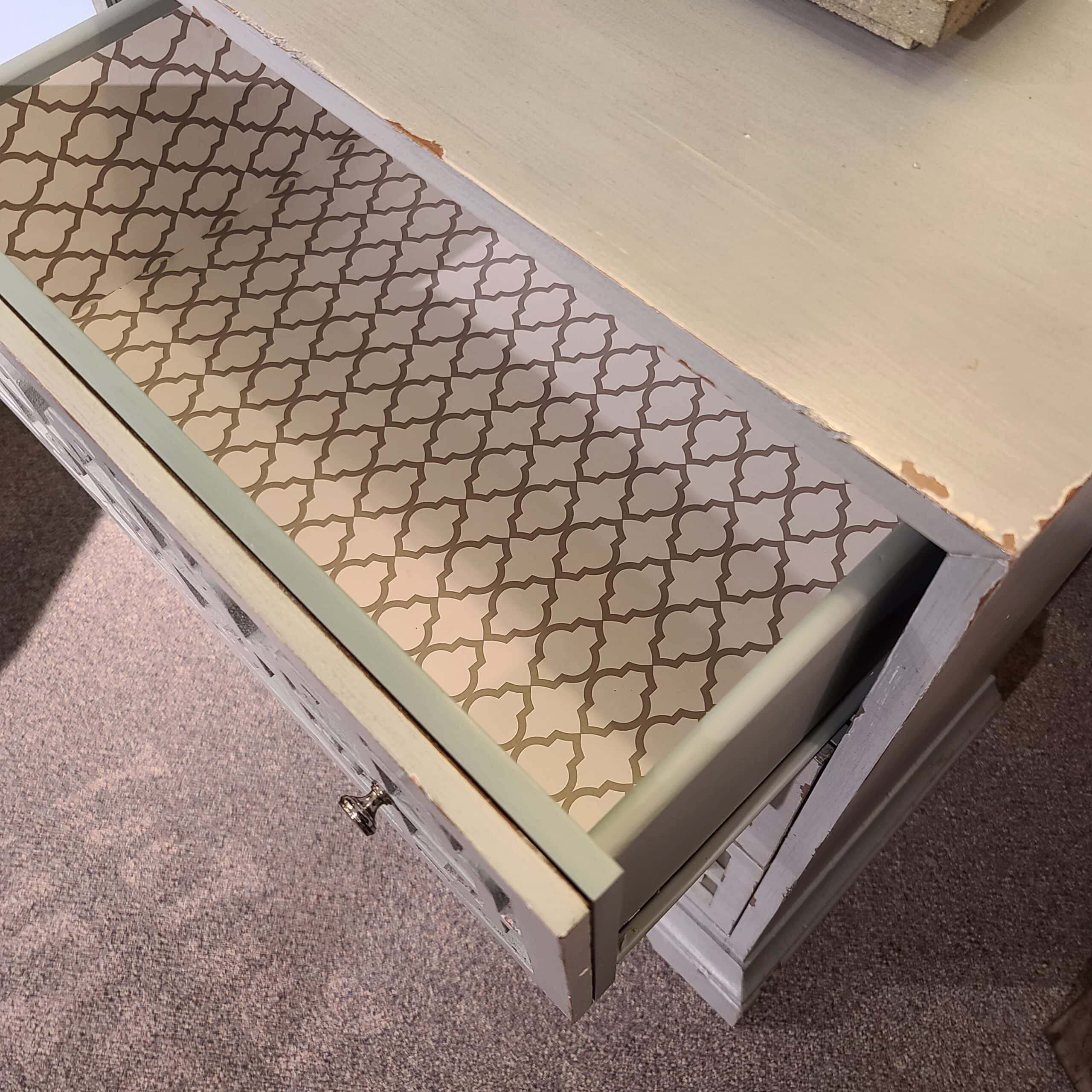 Pulaski mint mirrored front accent cabinet